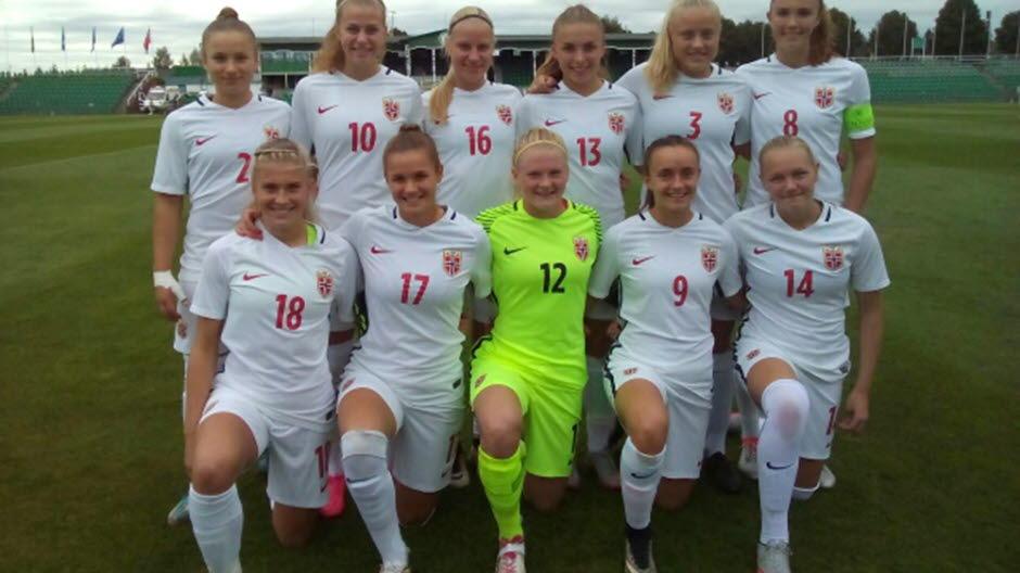 6264a5f1 J19-landslaget lagbilde Norge - Romania EM-kvalifisering