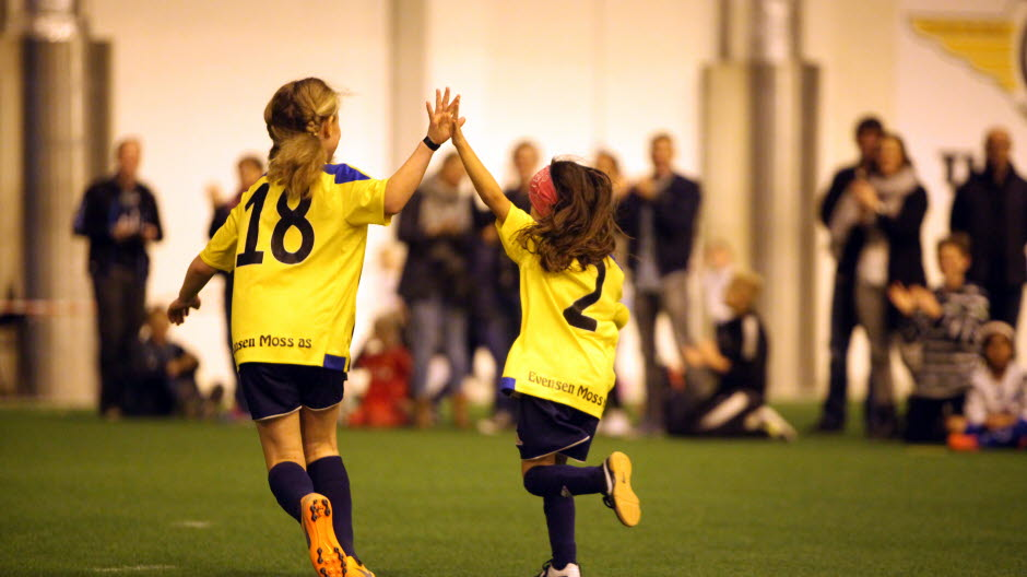 https://www.fotball.no/imagevault/publishedmedia/jxe7tnw4tau7g8d0dmgb/jentefotballturnering_ostfoldhallen.jpg